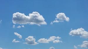 clouds-898712_1920