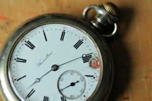 pocket-watch-1354941_1920